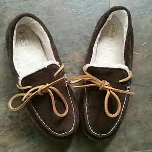 Size 3 kid Lands' End slippers